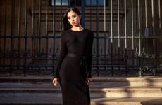 Hoa hậu Trần Tiểu Vy đẹp ngỡ ngàng trên đường phố Paris thơ mộng