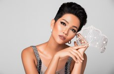 Ngắm đường cong hút mắt của H'Hen Niê trước ngày thi Miss Universe