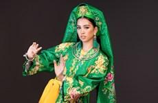 Hoa hậu Tiểu Vy múa 'Cô Đôi thượng ngàn' trên sân khấu Miss World