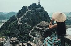 Ngỡ ngàng vẻ đẹp từ đỉnh 'Vạn lý Trường Thành phiên bản Việt'