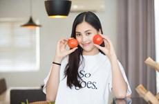 [Photo] Hé lộ hình ảnh Hoa hậu Tiểu Vy vào bếp cùng mẹ nhân ngày 8/3