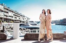 Hai Hoa hậu Mỹ Linh, Tiểu Vy lộng lẫy giữa bầu trời xanh ngắt ở Sydney
