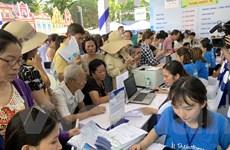 Ngày hội du lịch Transviet: Người dân đội nắng mua tour giảm giá 50%
