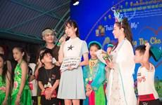Á hậu Thúy An và Trung Thu ý nghĩa trước giờ thi Miss Intercontinental