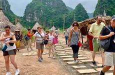 Gỡ ''nút thắt'' cho chính sách thị thực ở Việt Nam cách nào?
