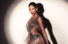 [Photo] Á hậu Hoàng Thùy thần thái quyến rũ chào sân Miss Universe