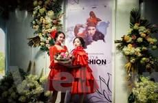 Trang phục hầu đồng lần đầu bước lên sàn diễn thời trang Việt Nam