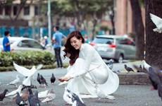 [Photo] Hoa hậu Khánh Vân quảng bá vẻ đẹp của Sài Gòn
