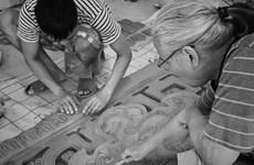 [Photo] Nghệ nhân khôi phục dòng gốm cổ xưa nhất Việt Nam