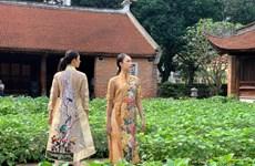 'Áo dài của chúng ta': Ngày hội tôn vinh 'di sản' của phụ nữ Việt Nam