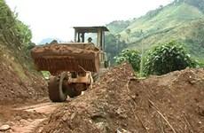 Phó Thủ tướng thăm vùng rốn lũ ở tỉnh Quảng Nam