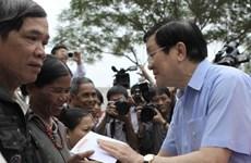 Chủ tịch nước thăm hỏi nhân dân vùng lũ lụt Quảng Ngãi