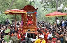 Tưng bừng khai hội Chùa Hương và hội Gióng đền Sóc