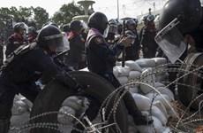 Cảnh sát Thái quyết giành lại 5 điểm biểu tình ở Bangkok