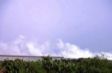 TP.HCM mù mịt khói bụi vì cháy bãi rác Đa Phước