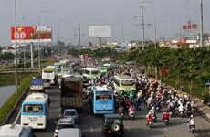 Người dân đổ về TP.HCM sau kỳ nghỉ lễ gây ùn tắc cục bộ