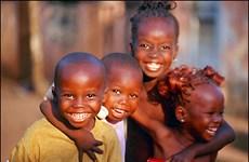 Canada tăng hỗ trợ y tế cho phụ nữ và trẻ em châu Phi