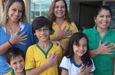 Gia đình 6 ngón mơ Brazil vô địch World Cup lần thứ sáu