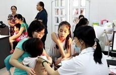 Hà Nội luân phiên y bác sỹ để tăng tải cho bệnh viện huyện
