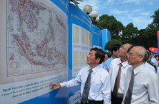 Triển lãm tranh cổ động về chủ quyền biển, đảo Việt Nam