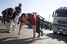 """Thầy giáo dạy thể dục vô địch cuộc thi """"Strong Men"""" của Bỉ"""