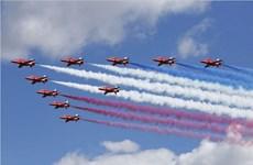 Triển lãm hàng không Fanborough sôi động trong ngày khai mạc