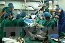 Hai bệnh nhân được ghép tim và ghép gan khỏe mạnh ra viện
