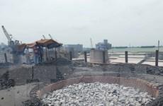 Thái Bình: Dân bức xúc vì sống chung khói bụi và khí thải lò vôi