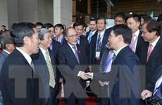 Chủ tịch Quốc hội Nguyễn Sinh Hùng tiếp các nhà báo ASEAN
