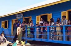 Trường học trên Biển Hồ cho con em Việt kiều tại Campuchia