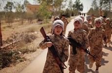 Các tay súng IS gia tăng chiêu mộ, đào tạo và sử dụng lính trẻ em