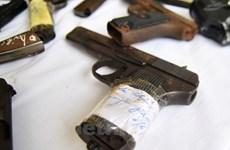 Công an thu kho dao, súng trong nhà 4 thanh niên đang dùng ma túy