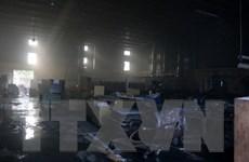 Hà Nội: Cháy lớn thiêu rụi 3 nhà xưởng ở làng nghề Hữu Bằng