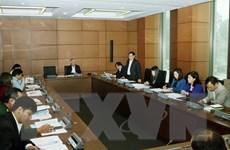 Đại biểu Quốc hội thảo luận tại tổ về báo cáo công tác nhiệm kỳ