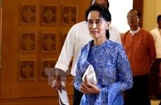 Bà Aung San Suu Kyi chính thức trở thành cố vấn quốc gia Myanmar