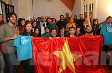 Buổi nói chuyện về Việt Nam thu hút đông đảo bạn bè Argentina