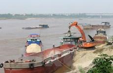Phát hiện, bắt giữ nhiều vụ khai thác cát trái phép trên sông Hồng