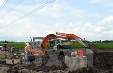 Kiểm tra thông tin trộn đất vào móng bêtông đường dây 200kV