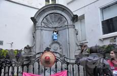 """Bức tượng Manneken Pis ở Brussels sẽ """"tè"""" ra sữa vào ngày 1/6"""