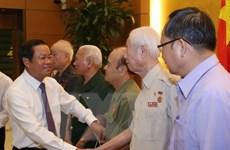 Phó Chủ tịch Quốc hội tiếp cựu thanh niên xung phong các thế hệ