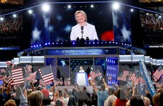 Con đường trở thành tổng thống của bà Hillary còn nhiều chông gai
