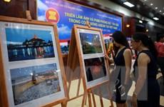Triển lãm ảnh và phim phóng sự-tài liệu về Cộng đồng ASEAN