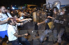 Bắt giam các đối tượng chiếm giữ trụ sở cảnh sát ở Armenia