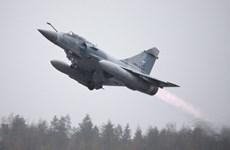 Các chiến đấu cơ Pháp ném bom kho vũ khí của IS tại Syria