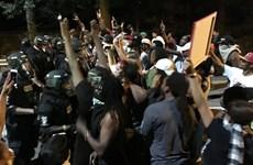 Bạo lực bùng phát tại Mỹ do cảnh sát bắn chết người da màu