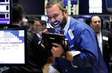 Chỉ số chứng khoán Nasdaq lập kỷ lục mới sau quyết định của Fed
