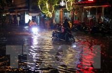 Mưa lớn khiến Thành phố Hồ Chí Minh ngập nặng, giao thông hỗn loạn