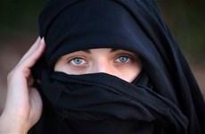 Bulgaria thông qua luật cấm trùm khăn che mặt ở nơi công cộng