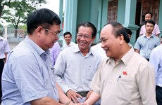 Thủ tướng và đoàn đại biểu Hải Phòng tiếp xúc cử tri huyện Vĩnh Bảo