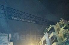"""Hiểm họa từ các công trình xây dựng """"trên trời"""" ngay giữa Thủ đô"""